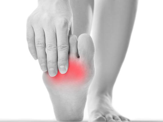 smerte på framsiden av leggen